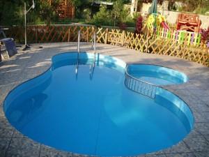 Какой бассейн лучше купить для дачи