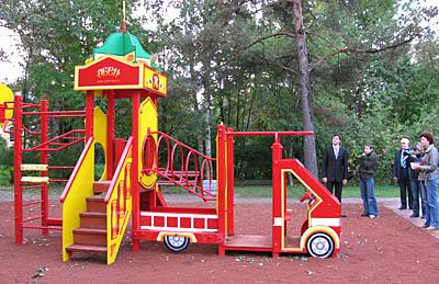 Детская площадка паровоз своими руками