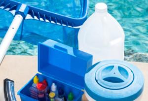 Как очищать воду в дачном бассейне